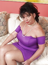 Horny Grannies:This site dedicated respecting elder and mature women addicted respecting sex.